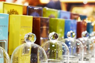 Understand the three notes of a perfume and the importance of the olfactory pyramid