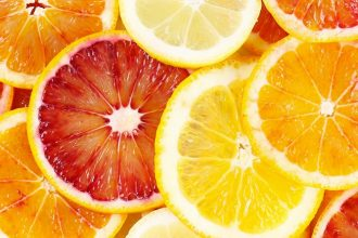 citrus perfume is invigorating and fresh, which isn't surprising when you consider that this olfactory family includes fragrances made up of citrus fruits.