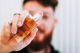Rody of the blog comme un camion tests our perfume for man alfred kafé with notes of lavender and coffee