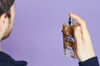 The unisex fragrance 555 reviewed by the masculine team of the blog Comme un Camion