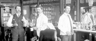 Men's perfumery experienced a real boom at the beginning of the 20th century and has continued to evolve ever since
