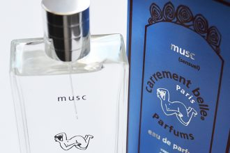 Delphine falls for the softness of th perfume musc, the warm and comforting eau de parfum